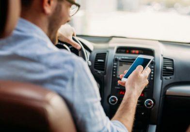 Número de multas por uso do celular ao volante representa 7,5% de todas as infrações
