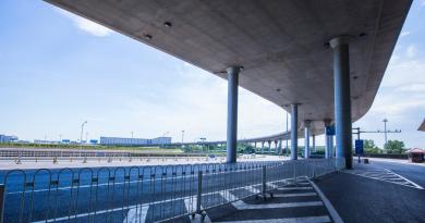 Prefeitura de São Paulo instala novos dispositivos para alertar motoristas sobre excesso de altura
